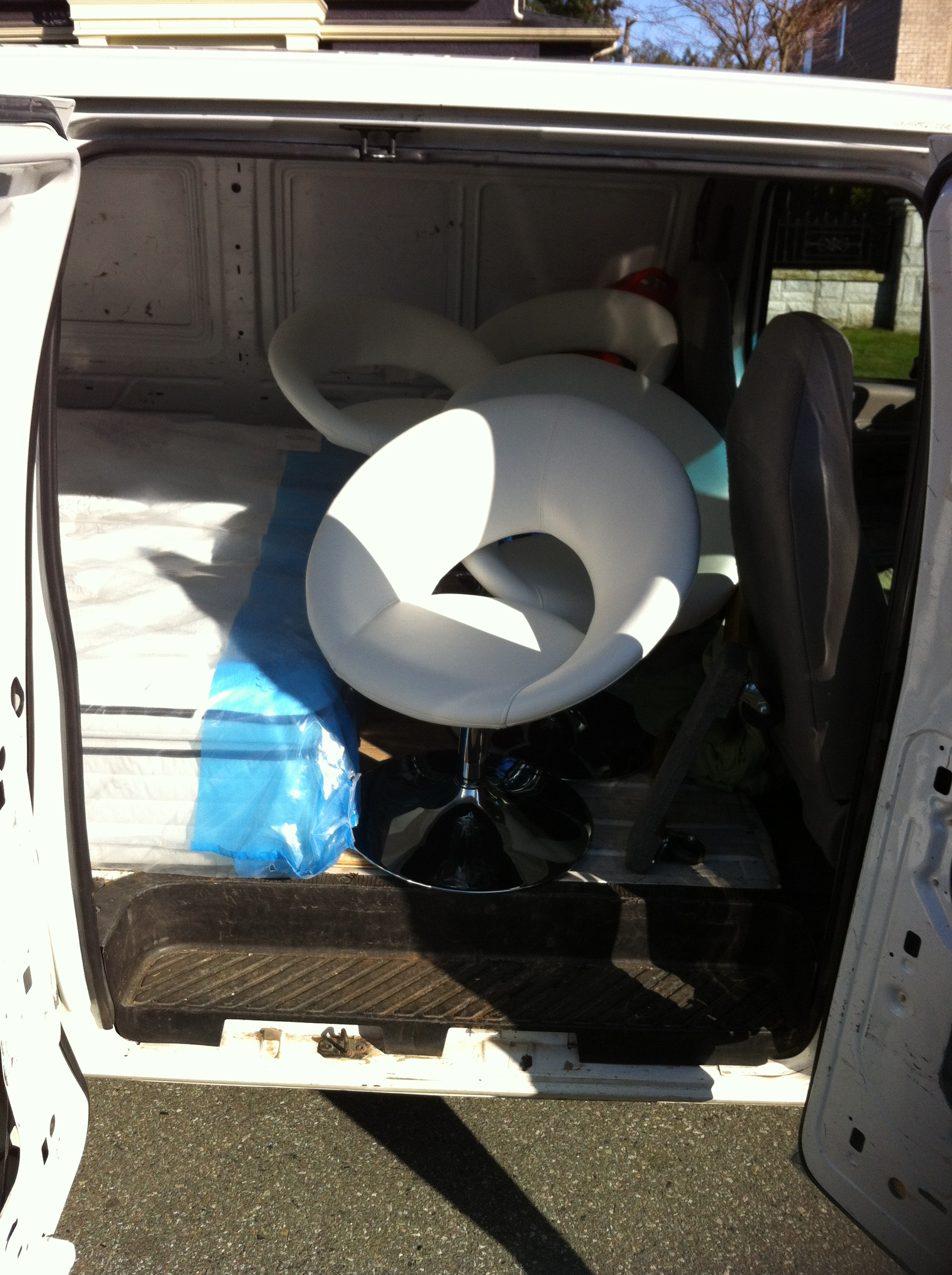 Furniture delivery service sam 39 s small moves ltd cheap for Cheap furniture delivery