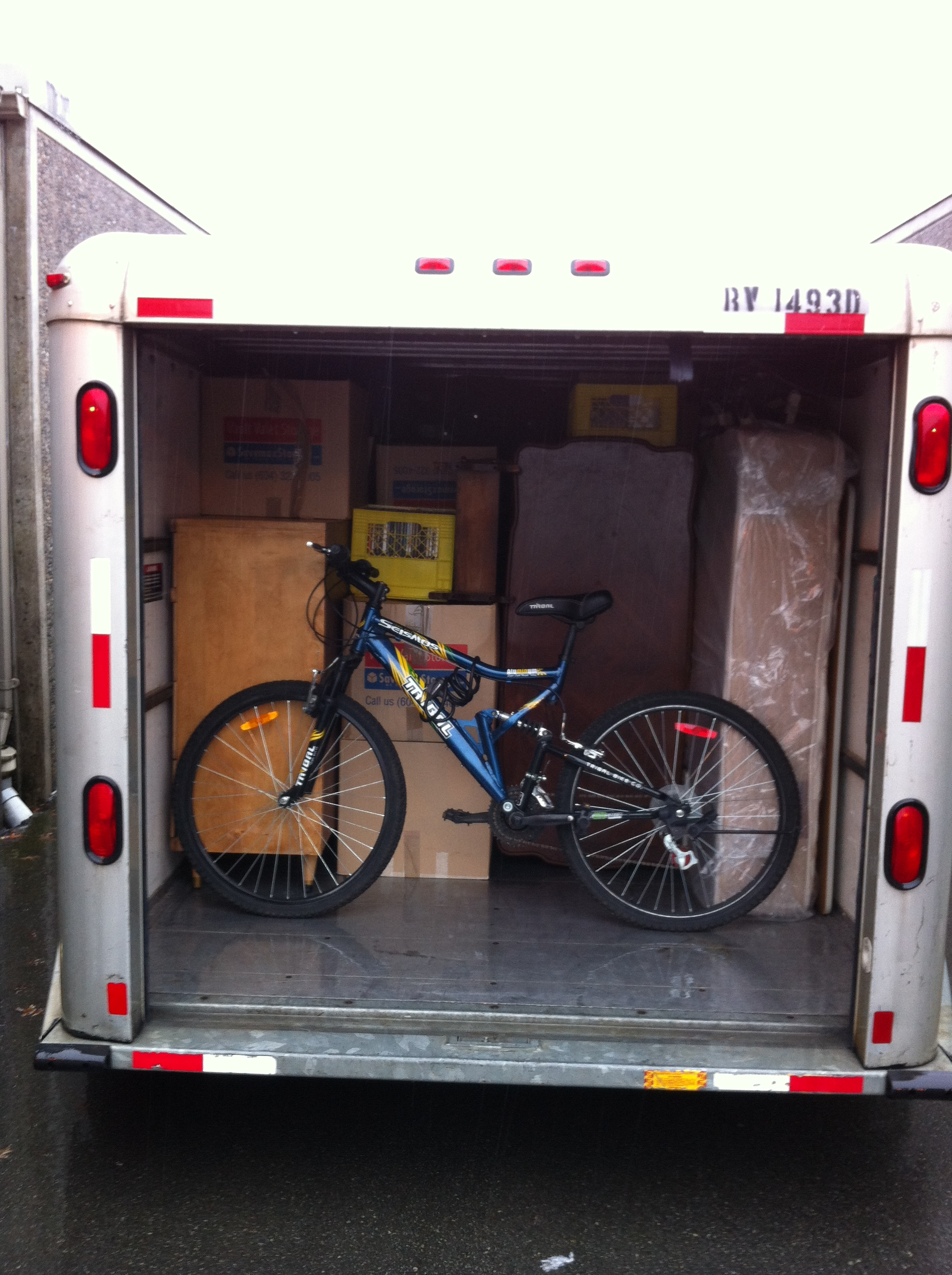 UHaul Truck Loading and Unloading Help | Sam's Small MovesSam's